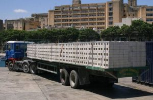 Перевозка бетонных блоков